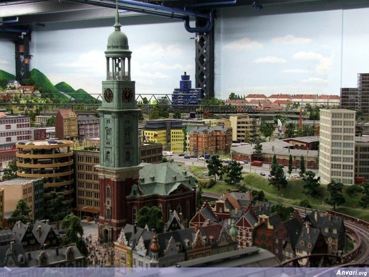 37 Miniature Wonderland - Model City with All Attractions