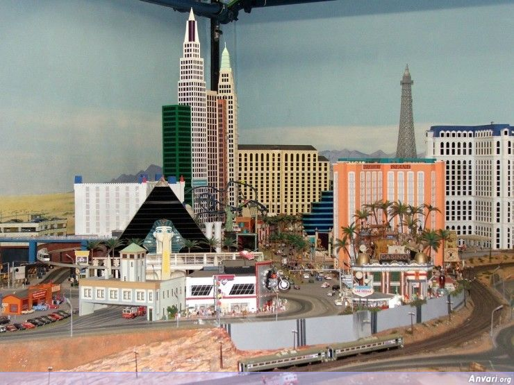 68 Miniature Wonderland - Model City with All Attractions