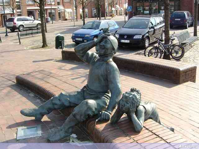 bilder 192 - Strange Statues around the World
