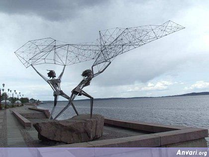 44a2431a4fcf1366367603 - Strange Statues around the World 2