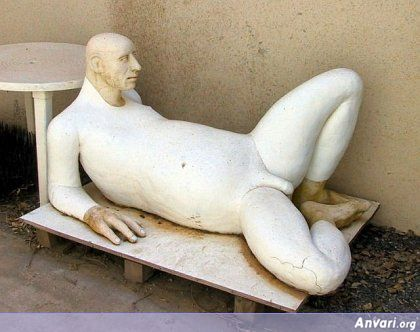 44a2431c43742995541097 - Strange Statues around the World 2