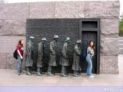 44a2431d689d1751963621 - Strange Statues around the World 2