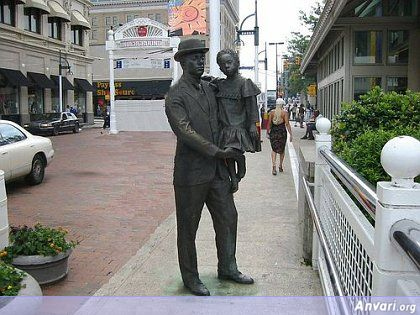 44a2432011542245643936 - Strange Statues around the World 2