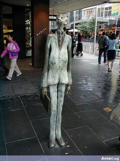 44a2432043b0e053513642 - Strange Statues around the World 2