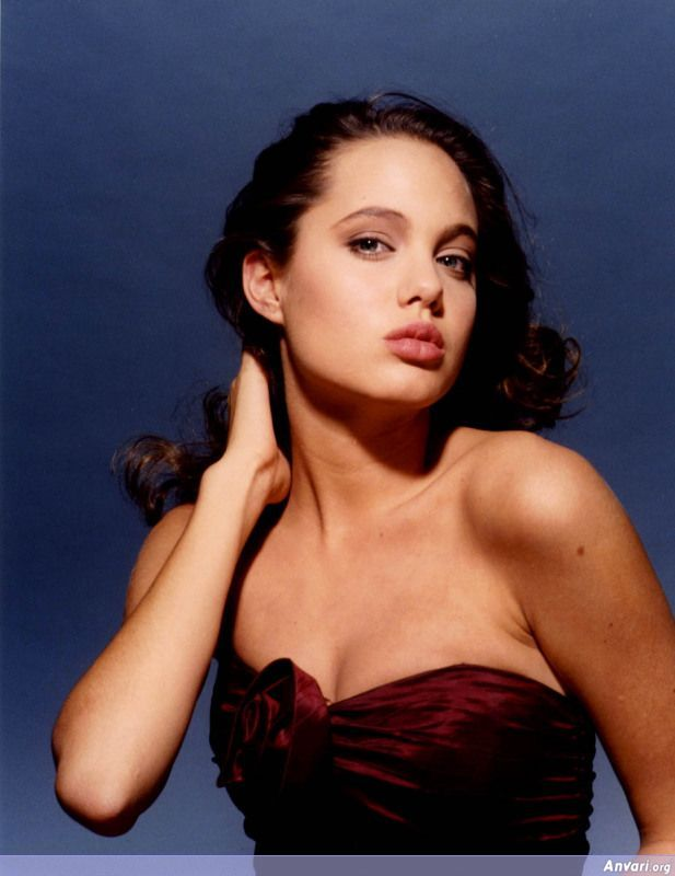 Young Angelina Jolie 006 - Young Angelina Jolie