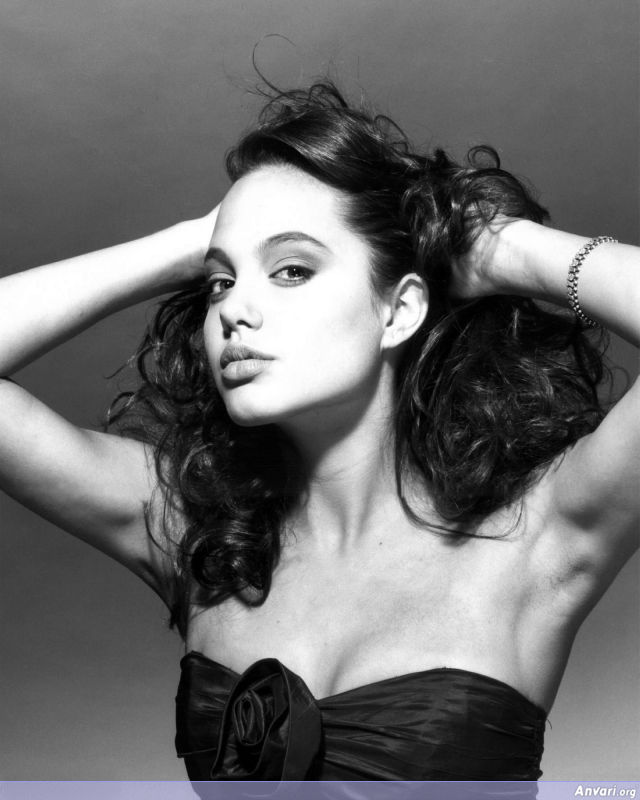 Young Angelina Jolie 018 - Young Angelina Jolie
